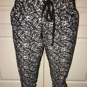 Luluemon Athletica drawstring ankle pants